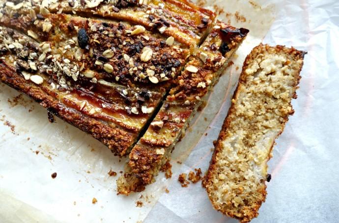 cake met peer en banaan